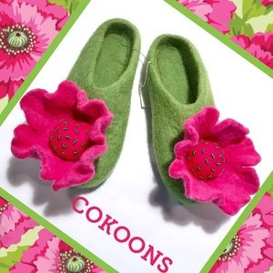 Shoes - COKOONS NWT Felt Shoes Lime/Fuchsia 🌺 36 6